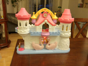 Girls Swan Castle and Ponyville Carousel