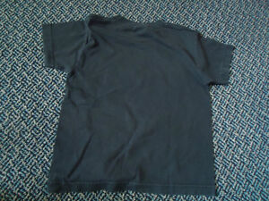 Boys Size 6 Football Short Sleeve T-Shirt Kingston Kingston Area image 2
