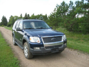 2006 Ford Explorer XLT SUV, Crossover