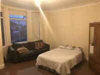 Large double bedroom available now in Salford, close to Media City