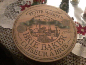 Petite Maison by Wildly Delicious Brie Baker, green, new