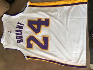 LAKERS KOBY BRYANT JERSEY BRAND NEW WITH TAGS