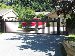 Custom Aluminum Driveway Gates & Automated Gate Opening Systems! Comox / Courtenay / Cumberland Comox Valley Area image 8