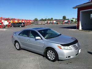 2007 Toyota Camry top-level XLE ( Fully loaded )