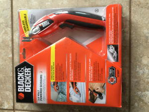 Black & Decker 3.6 Volt Powered Scissors