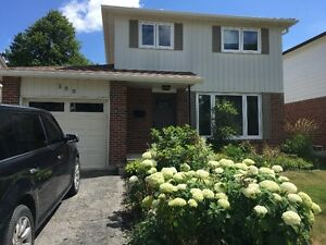 3 Bedroom House+Finished Basement in Newmarket for Rent /Lease