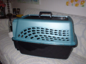 23x16x15 Pet carrier - hard-sided plastic Airline approved