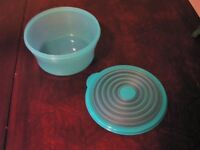 Tupperware bol rond vert diam 8po X 4po haut Longueuil / South Shore Greater Montréal Preview