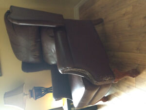 Wing back recliner