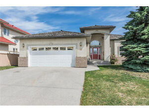 LARGE 5 BED HOME - STRATHMORE - BUY NOW B4 NEW MORTGAGE RULES!