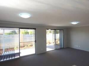 NEAR NEW 4 BEDROOM TOWNHOUSE Beckenham Gosnells Area Preview