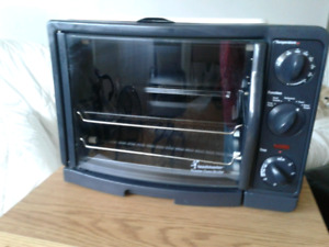 TOASTER OVEN/ROTISSERIE/GRIDDLE