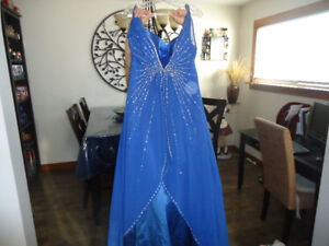 REDUCED ,,,$75 ,,,Royal blue grad dress, size 16