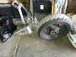 2004 HONDA CBR600RR REAR RIM WITH TIRE