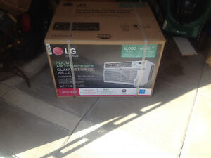 LG 12,000 btu air conditioner with remote control