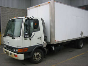 diesel camion hino tres bonne condition 4000$