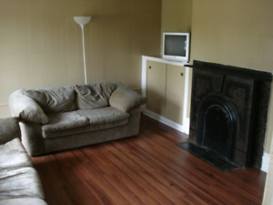 MUST SEE: bright renovated 2 bed Northside apt in historic home