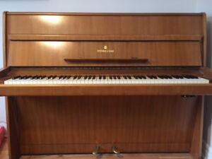 Steinway piano model Z 1970
