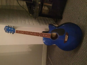 Washburn guitar and case great condition must sell for lack of u