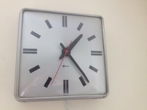 "VINTAGE SIMPLEX INDUSTRIAL ALUMINUM ELECTRIC CLOCK 12 ""Square"