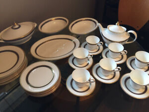 Vintage Royal Doulton HARLOW Dinner Set