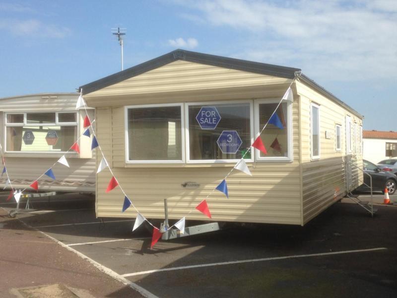 Static Caravan Nr Clacton-on-Sea Essex 3 Bedrooms 6 Berth Willerby Salsa 2011