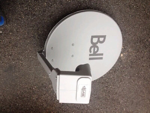 Bell satellite dish with DPP Quad lnb