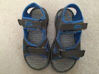 Slazenger footwear size 4