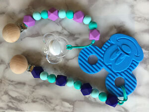Pacifier/Teething Clips