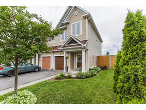 Kanata 3 bed 2.5 bath endunit townhome for rent
