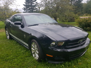 2011 Ford Mustang. Only 41 k ! New Inspection