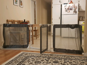 Extendable (165 to 363cm) safety gate for toddlers / kids