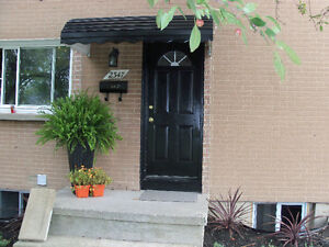 """""""MATURE FEMALE""""!!!-ONE ROOM AVAILABLE - BY ST DENNIS CENTRE!! Windsor Region Ontario image 6"""