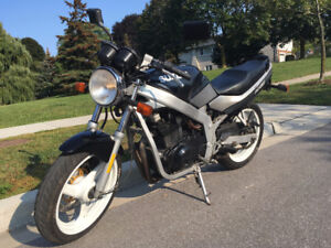 '89 Suzuki GS500    Fun, Loud & Lively with Sporty Clip-on Bars