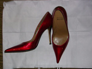 STUART WEITZMAN Red Evening Shoes / Size 7 (small !)