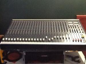Super Clean Soundcraft 200B