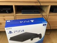 PlayStation 4 Slim 1 TB *NEARLY BRAND NEW BOXED*