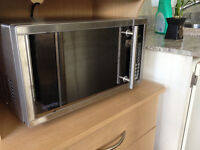 Micro-Ondes Stainless Danby