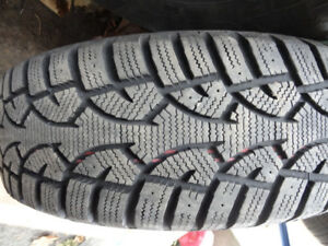 1 X ONE WINTER TIRE 185 195 205 60 65 70 14 15 UN PNEU HIVER