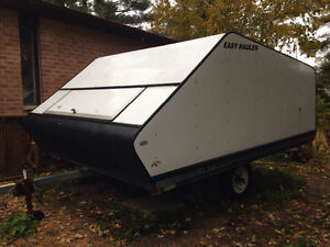 2006 yacht club covered sled trailer