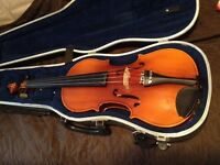 BEGINNER VIOLIN, HARD CASE AND BOW