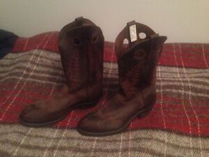 Size 10 steel toe cowboy boots.