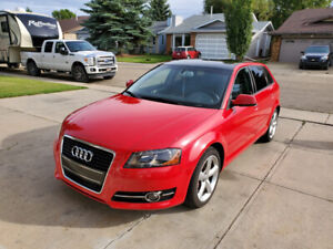 2013 AUDI A3 PROGRESSIV LOW KMS!!!