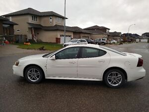 2006 Pontiac Grand Prix White Sedan