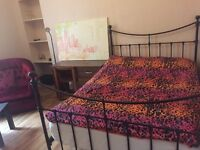 Festival Let , special rates Short- term Lovely spacious room in Leith