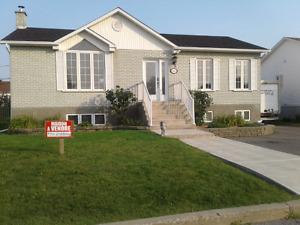 Maison avec garage VISITE LIBRE LE 22 OCT DE 2 H A 4 H PM