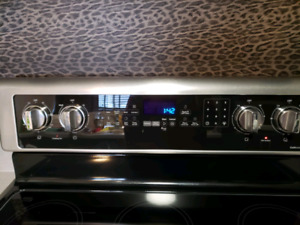whirlpool ceramic top stove 1 year old /poêle