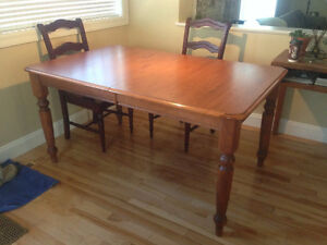 Kitchen Table with 2 Leaves $120.00