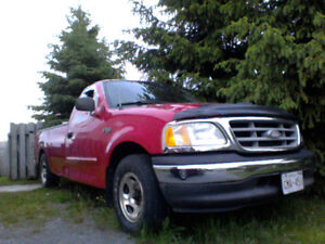 2003 Ford F-150XL  Pickup Truck  FOR  PARTS