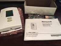 HONEYWELL PRO2000 PROGRAMMABLE THERMOSTAT - 6 AVAILABLE